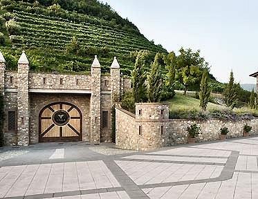 Villa franciacorta vini lombardia cantine in monticelli - Piscine franciacorta ...